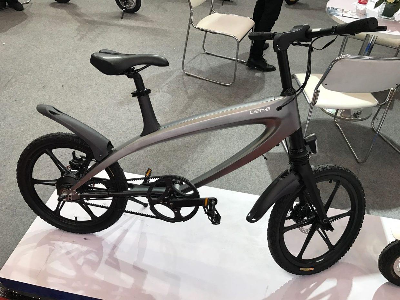 ユニークなフォルムの自転車