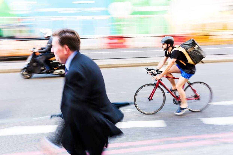 自転車レーンができると売上が上がる?