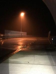 夜間走行中の雨