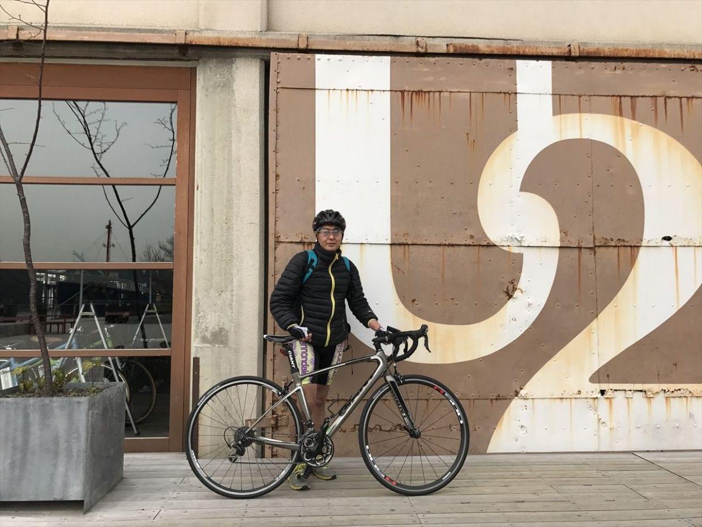 レンタルロードバイクでしまなみ海道を走った時の著者(広島・尾道)