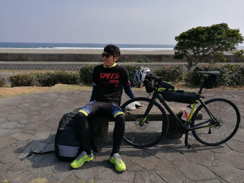 今回の旅の相棒はスペシャライズドのルーベ(https://www.specialized.com/ja/ja/men/bikes/road/performance/roubaix-elite/115487)