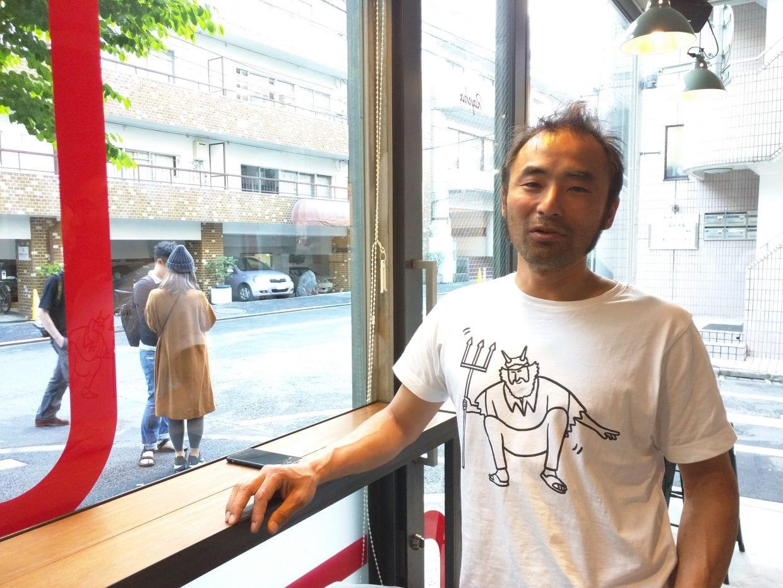 ラファジャパン代表・矢野大介さん。ツール・ド・フランスでおなじみ悪魔おじさんのTシャツがナイス