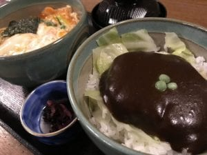 玉子とじカツ丼とドミグラスソースカツ丼