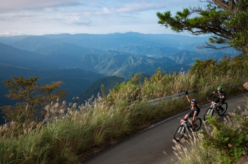 遮るもののない絶景。四国に育ち、ここでトレーニングを重ねる門田選手はこの地の魅力を知り尽くす