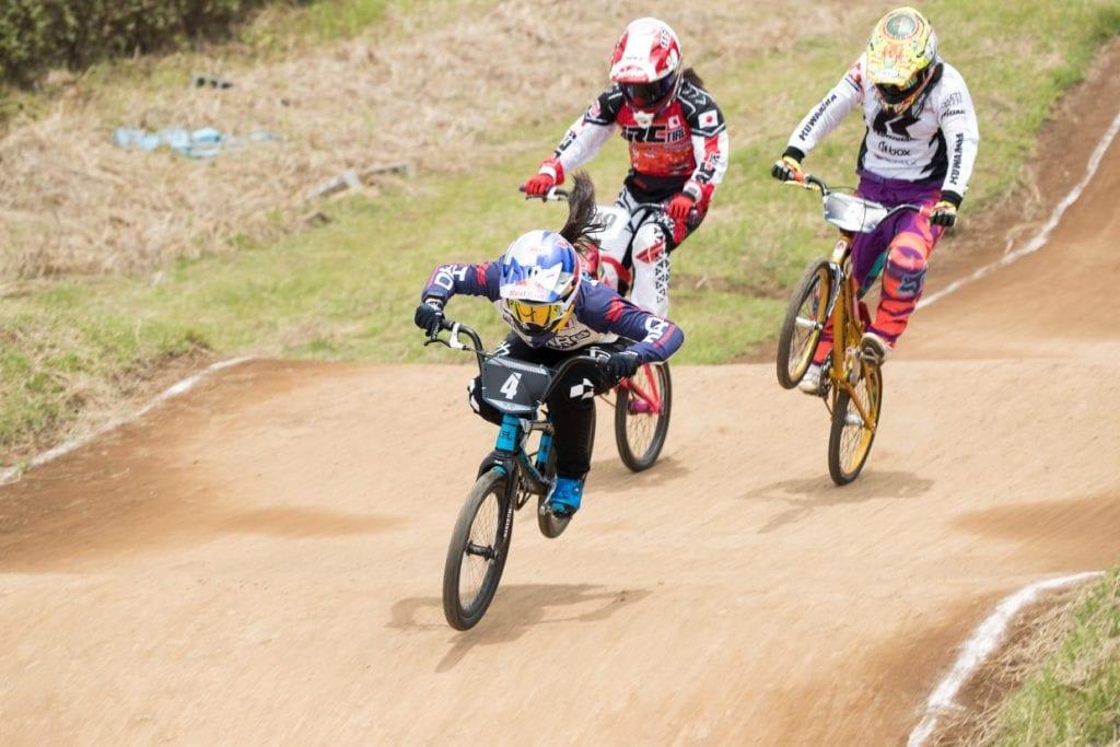 (C)Kenichi Inomata 張本氏発言でTVでも話題となった7/2の第34回全日本BMX選手権@サイクルスポーツセンター女子エリート&ジュニアのレース。トップは畠山選手