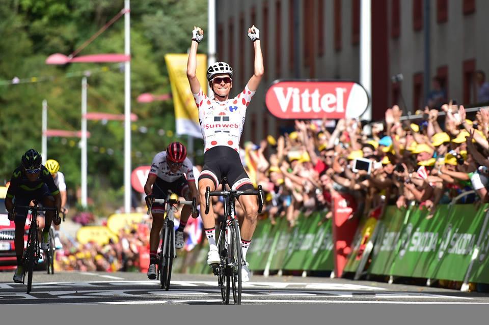 第13ステージを制したワレン・バルギル(フランス、サンウェブ)。アルベルト・コンタドール(スペイン、トレック・セガフレード)とナイロ・キンタナ(コロンビア、モビスター)という2人のチャンピオンを下し、フランスのボルテージは最高潮に達した ©A.S.O.
