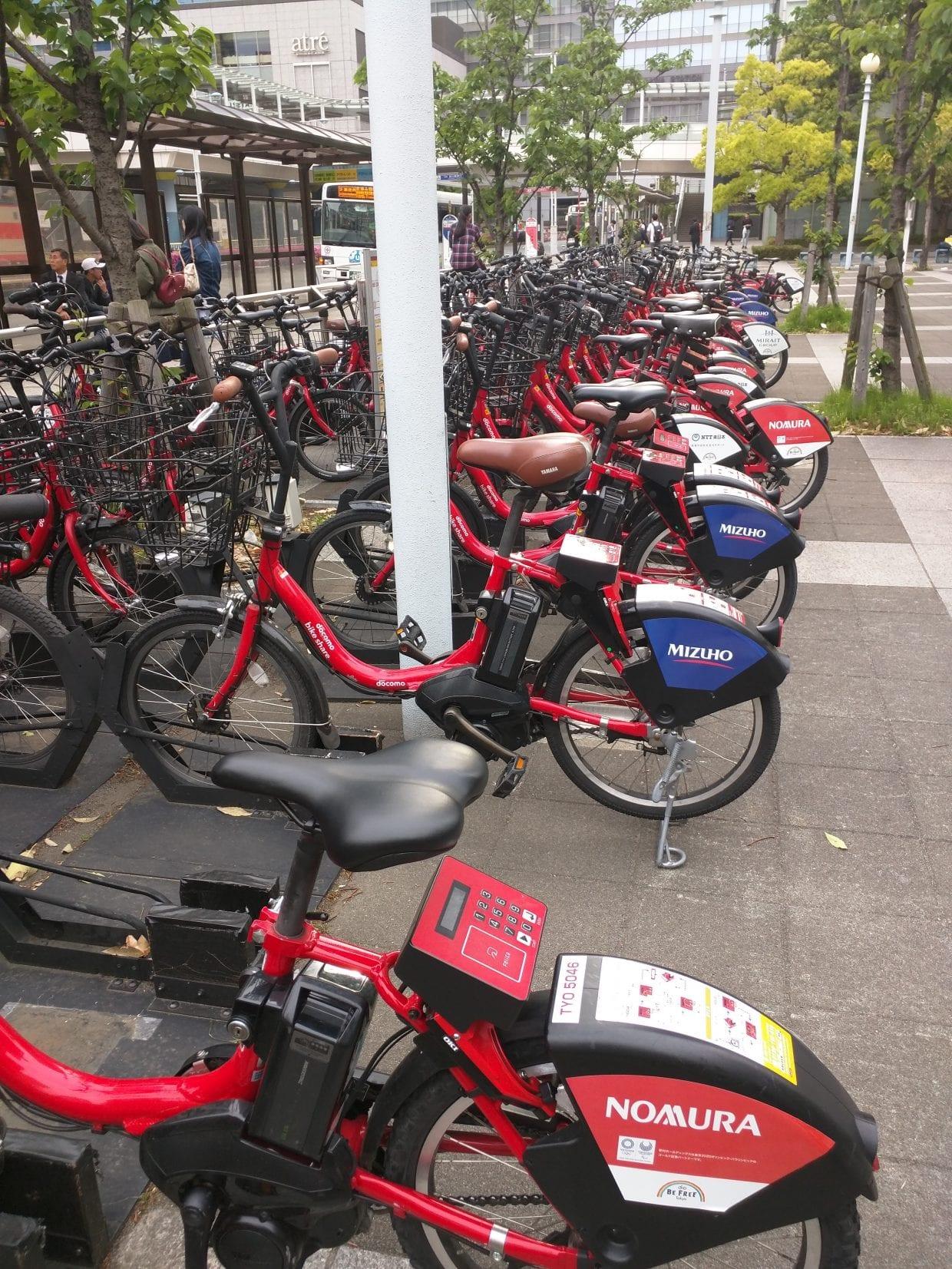 ドコモ・バイクシェア、品川駅近くのポートにて