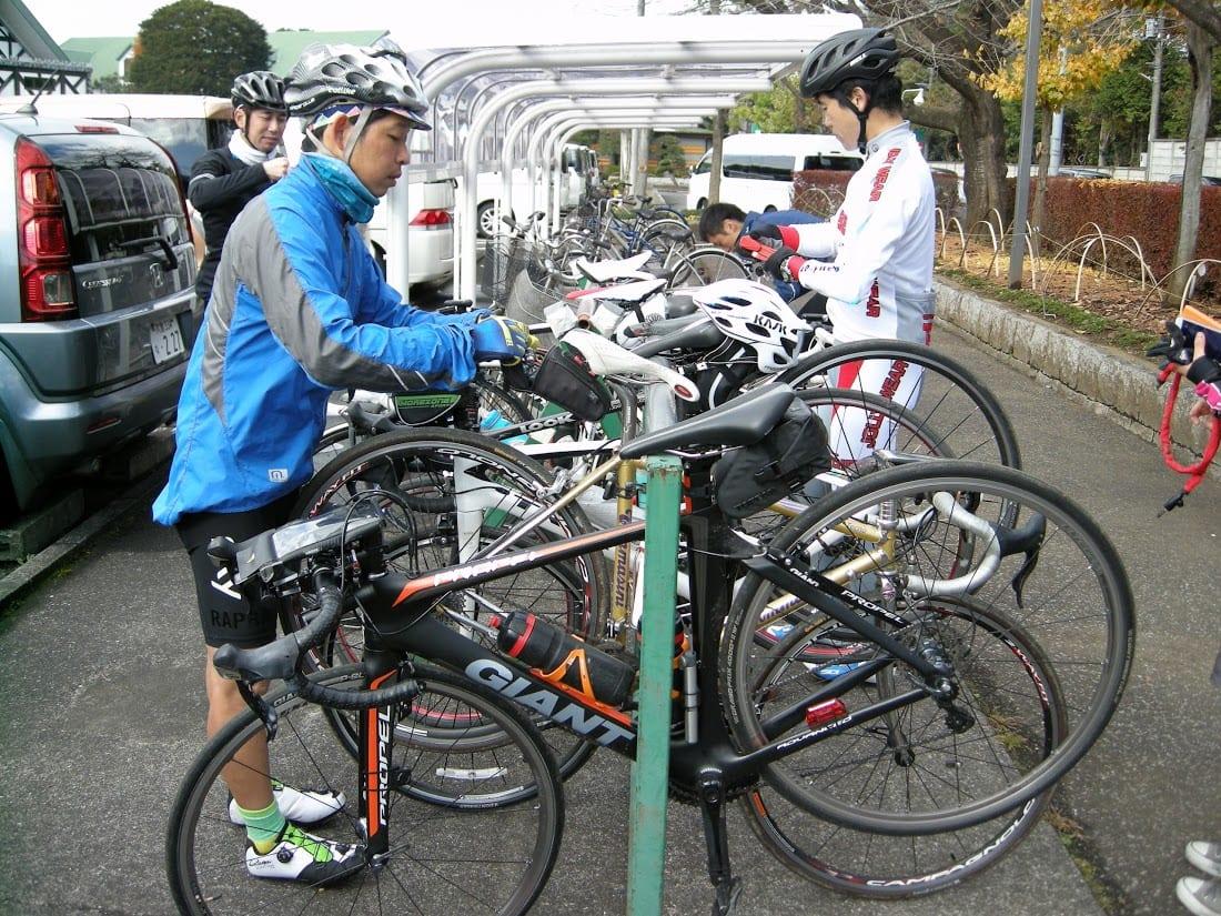 もちろんサイクルラックも完備!(C)Jun Ninomiya