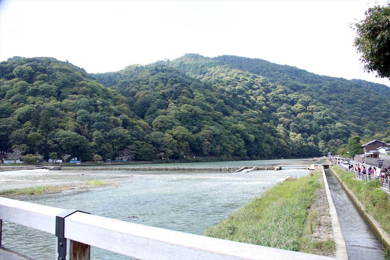 渡月橋から桂川を臨む