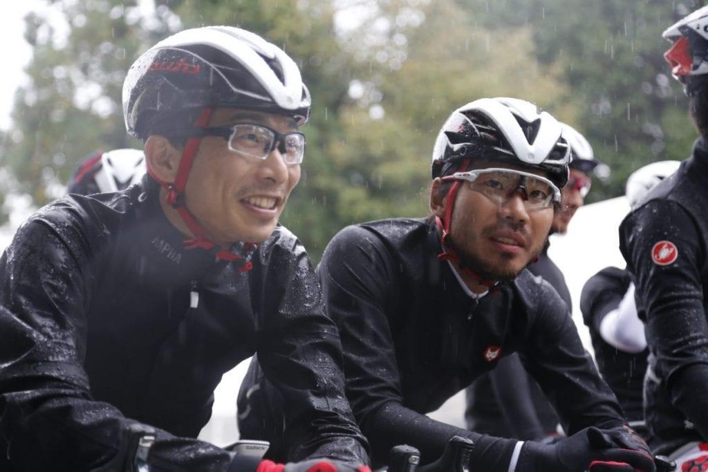 ブリヂストンアンカー サイクリングチームの西薗良太選手(左)と石橋学選手(右)。西薗選手は年内の引退を表明している