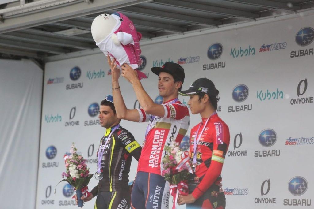 2位はチーム右京のベンジャミン・プラデス選手、3位は地元の宇都宮ブリッツェンの雨澤穀明(うめさわ たけあき)選手