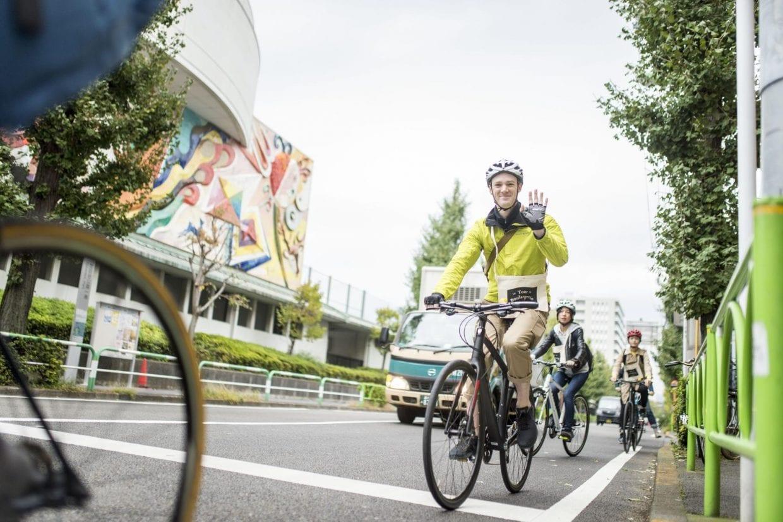 スポーツバイクは、車道走行が基本。きちんと一列で走ります。