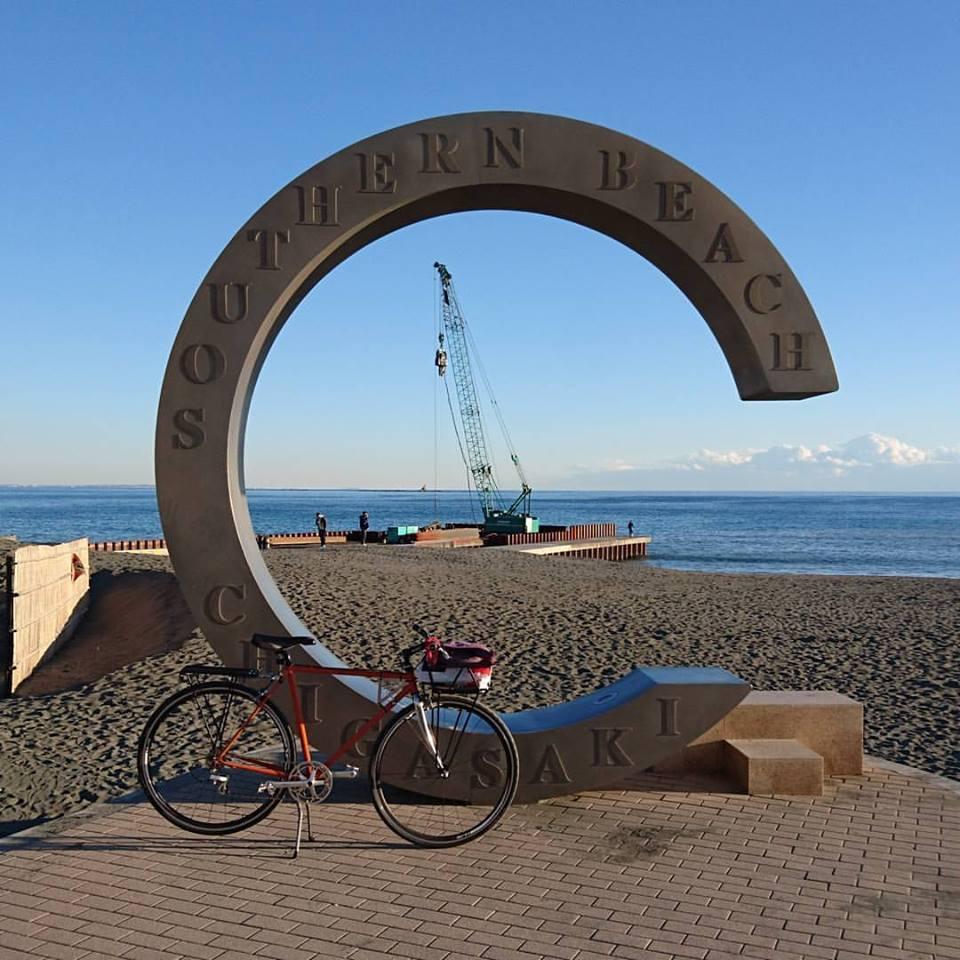 茅ヶ崎サザンビーチのシンボルのモニュメント