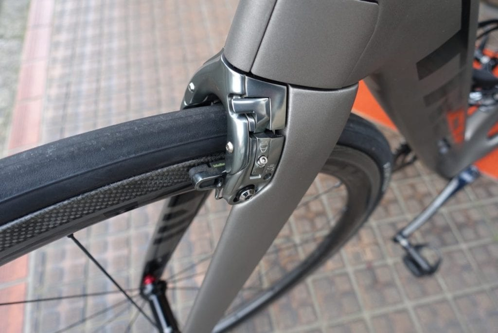 TREK独自設計のブレーキ。