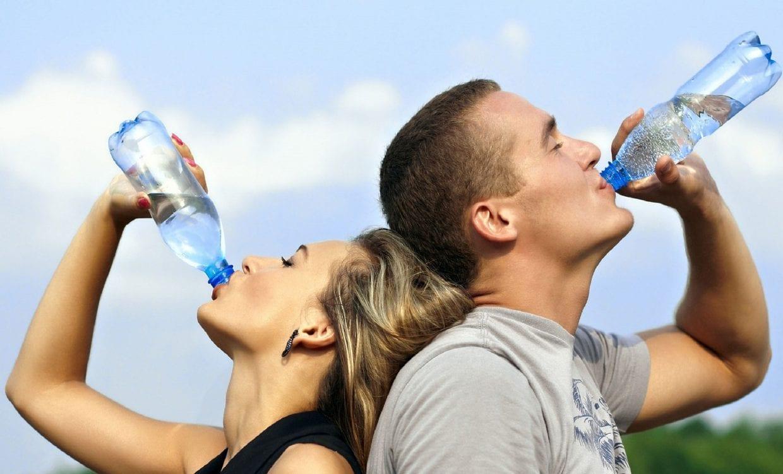 水分補給はこまめにとることが重要