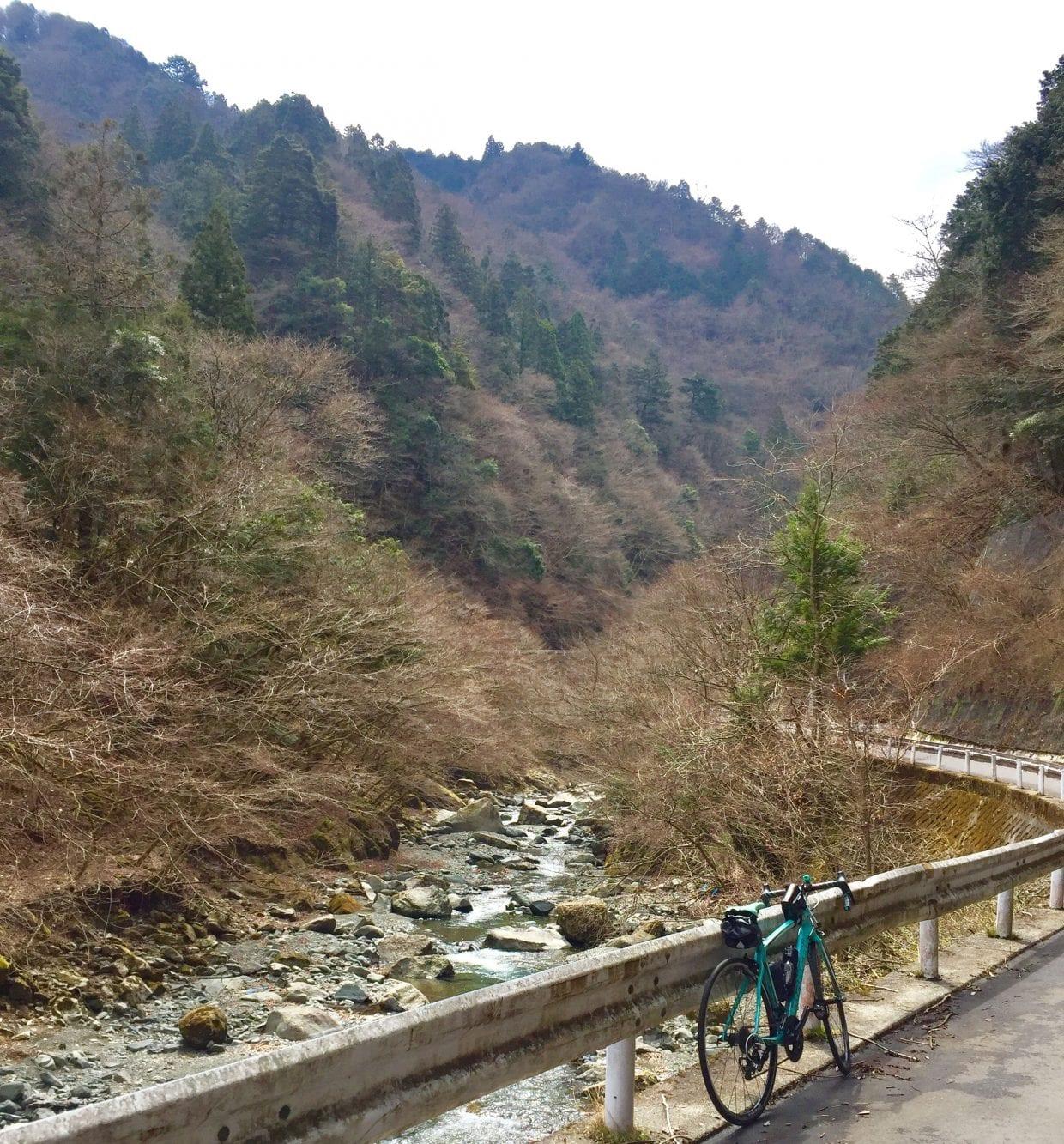 宮ヶ瀬湖方面から登る裏ヤビツ峠