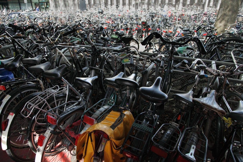 各自治体の数十年にわたる努力で国内の放置自転車は激減した。