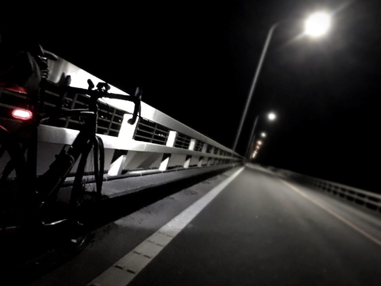 夜の道は誰にも邪魔されない、最高のトレーニング環境
