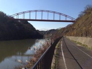 北沼と西沼の間にある印旛捷水路