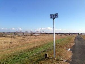 荒川サイクリングロード右岸、海から61.50km地点
