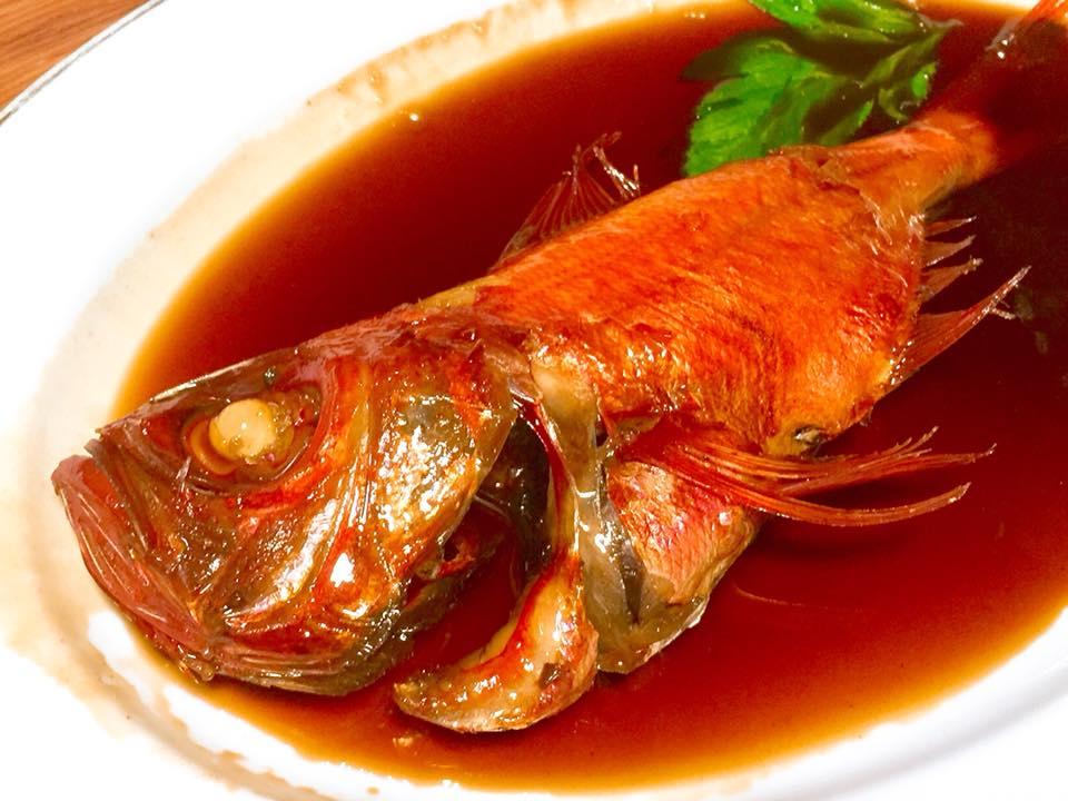名物、金目鯛の煮付け(C)Takashi Nakazawa