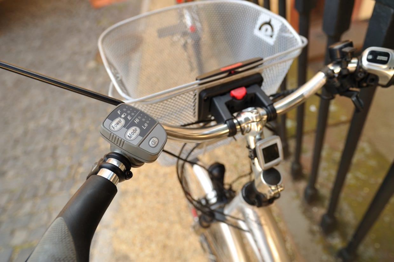 ▲川崎の事故では、ながらスマホに加え、加速が早い電動アシスト自転車だったことも重大事故に繋がった