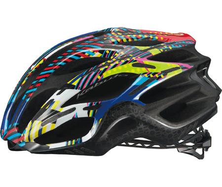 ▲軽量ヘルメットの「FLAIR」