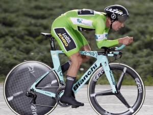Team Lotto NL JumboのTTスペシャリスト、プリモス・ログリッチェ選手。使用バイクはタイムトライアルマシンの「AQUILA CV」