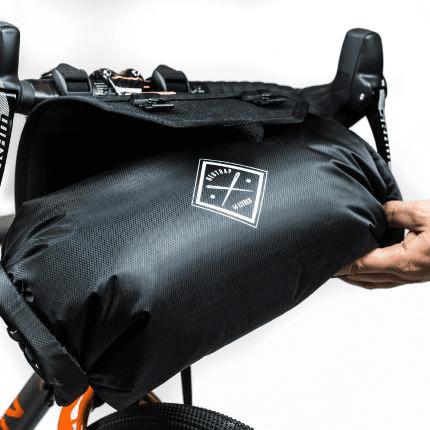 バーバッグホルスター (フードポーチ and ドライバッグ付き) ― Restrap