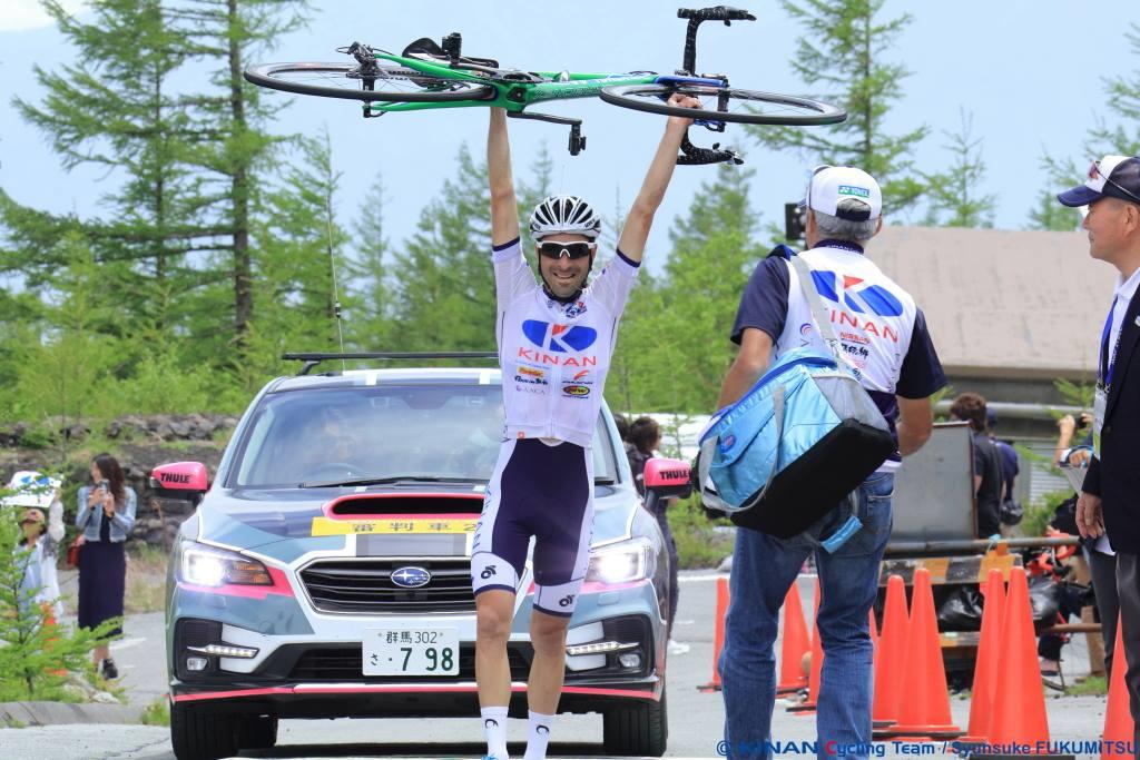第6ステージ、富士山のヒルクライムで優勝したマルコス・ガルシア(スペイン、キナンサイクリングチーム) ©KINAN CYCLING TEAM