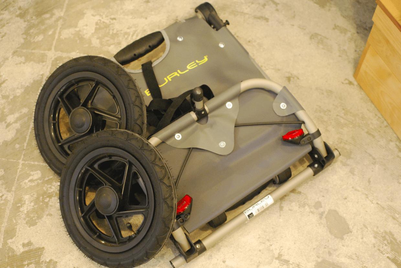 タイヤも工具なしで着脱可能。