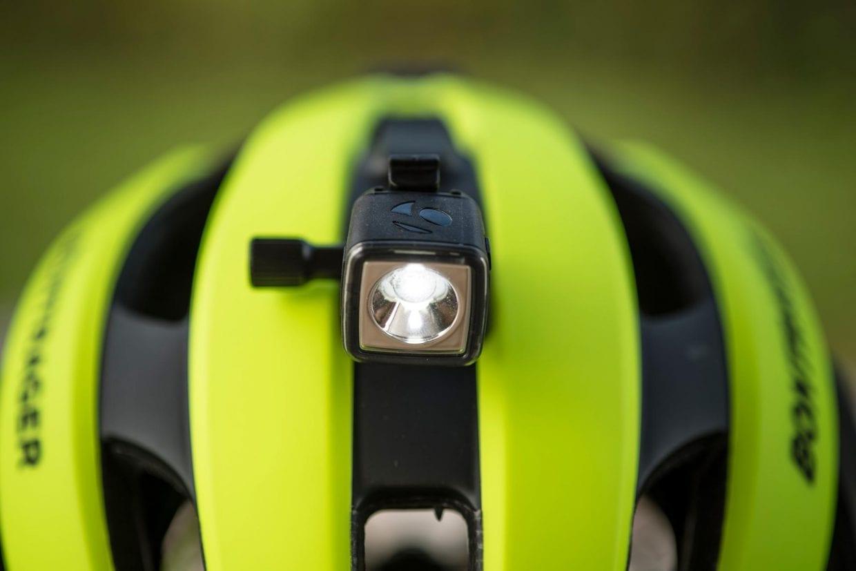 ボントレガー ヘルメット ライト マウント 前