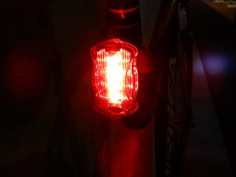 ロードバイクの激安リアライト