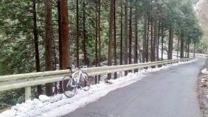 2015年2月、真冬の裏ヤビツ峠途中、この先から路面が真っ白に..….