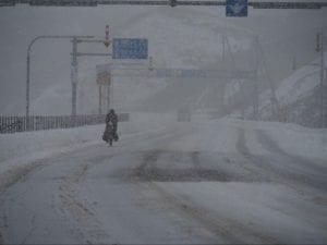 こんな雪の中も進みます