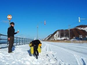 青空と一面の雪景色