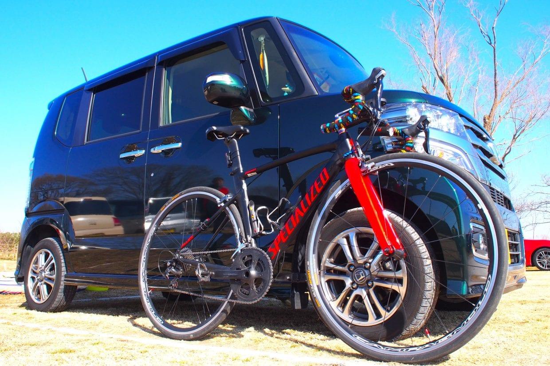 ロードバイクと軽自動車