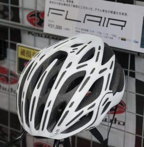 Kabuto FLAIR(フレアー)。価格21,500円(税抜)。 Photo: やざわすみひこ