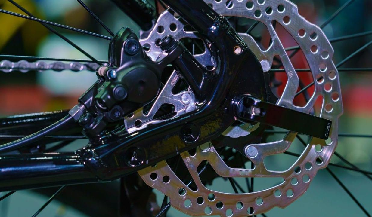 ディスクブレーキ クロスバイク ロードバイク