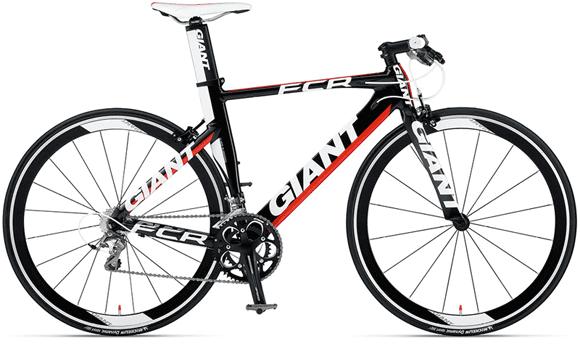 GIANT「FCR 0」2012年モデル。フラットバーにエアロ形状のフレームが…!フラットバーロードの中でも良い意味で変わったコンセプトを持つバイクだった。