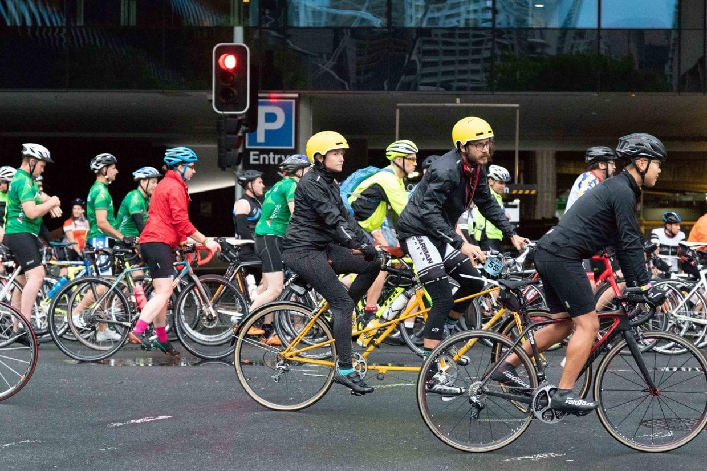 ▲タンデム自転車の参加者も。ロードバイクはもちろん、クロスバイクやマウンテンバイクもチラホラ。