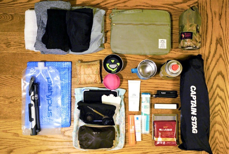 メインのパニエバッグにはこれだけ入れてなお余裕あり。写真に入れ忘れましたが、枕と携帯バックパックも入れました。