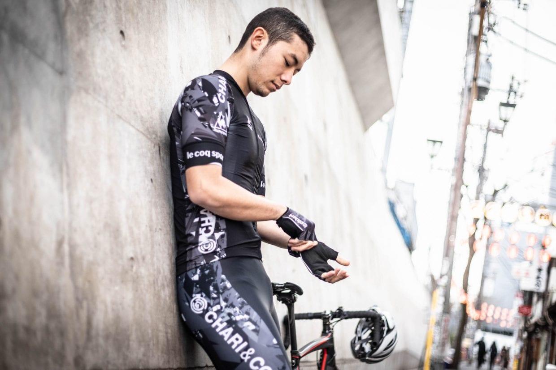 chari&co と le coq sportif のコラボレーションジャージ&ビブパンツのセット。定価 ¥36,720 → セール価格 ¥25,704