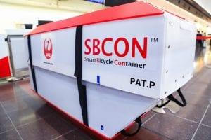 JALが提供する飛行機輪行専用箱、SBCON。photo:神楽坂つむり
