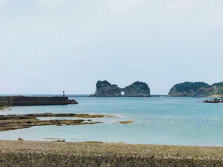 ④円月島(えんげつとう)白浜町
