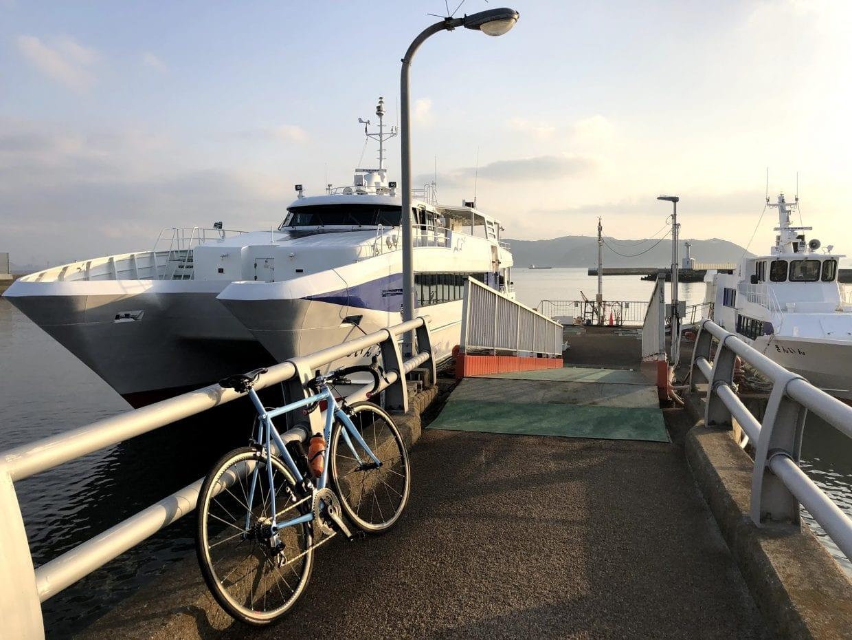 船に乗り込む時のワクワク感がたまりません。場所と時間によっては貸切状態で楽しむことができるなんてことも珍しくありません。photo:神楽坂つむり