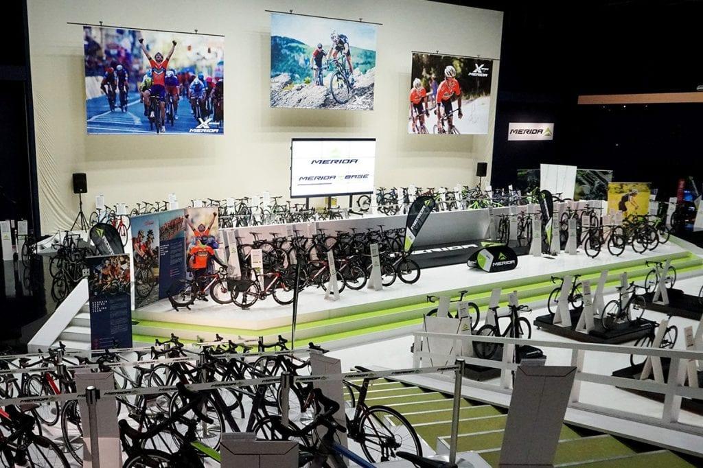 伊豆にある世界最大級のサイクリング施設「MERIDA X BASE」。MERIDA国内取扱全車種の展示・レンタルをはじめ、ツーリングイベントや講習など幅広いサイクルサービスを提供している。