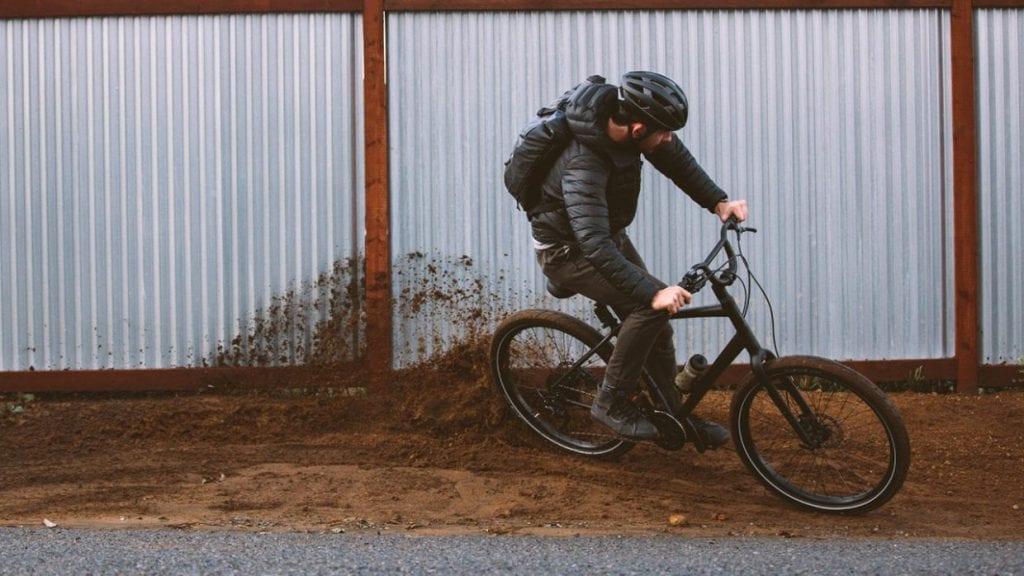 日常使いの自転車にスペシャライズドのROLLって、カッコよすぎるでしょ…!