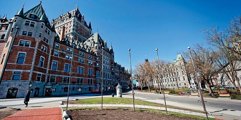 ヨーロッパの影響を受けたケベックの街並み
