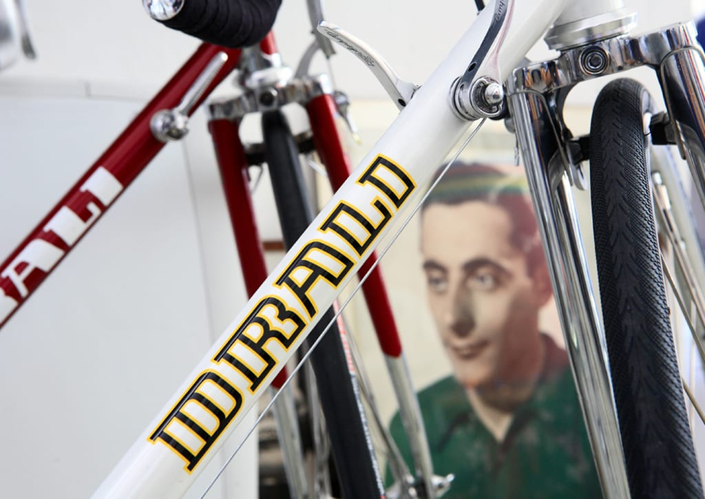 DRALIはかつて伝説のロードレーサー、ファウスト・コッピのいるBIANCHIにフレームを供給していたベテラン職人のバイクブランド